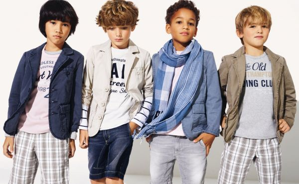 Boys' clothing clearance at Boden. Don't miss out on boys' pants, knitwear, tops & t-shirts and more. Shop our boys' clothes sale today.